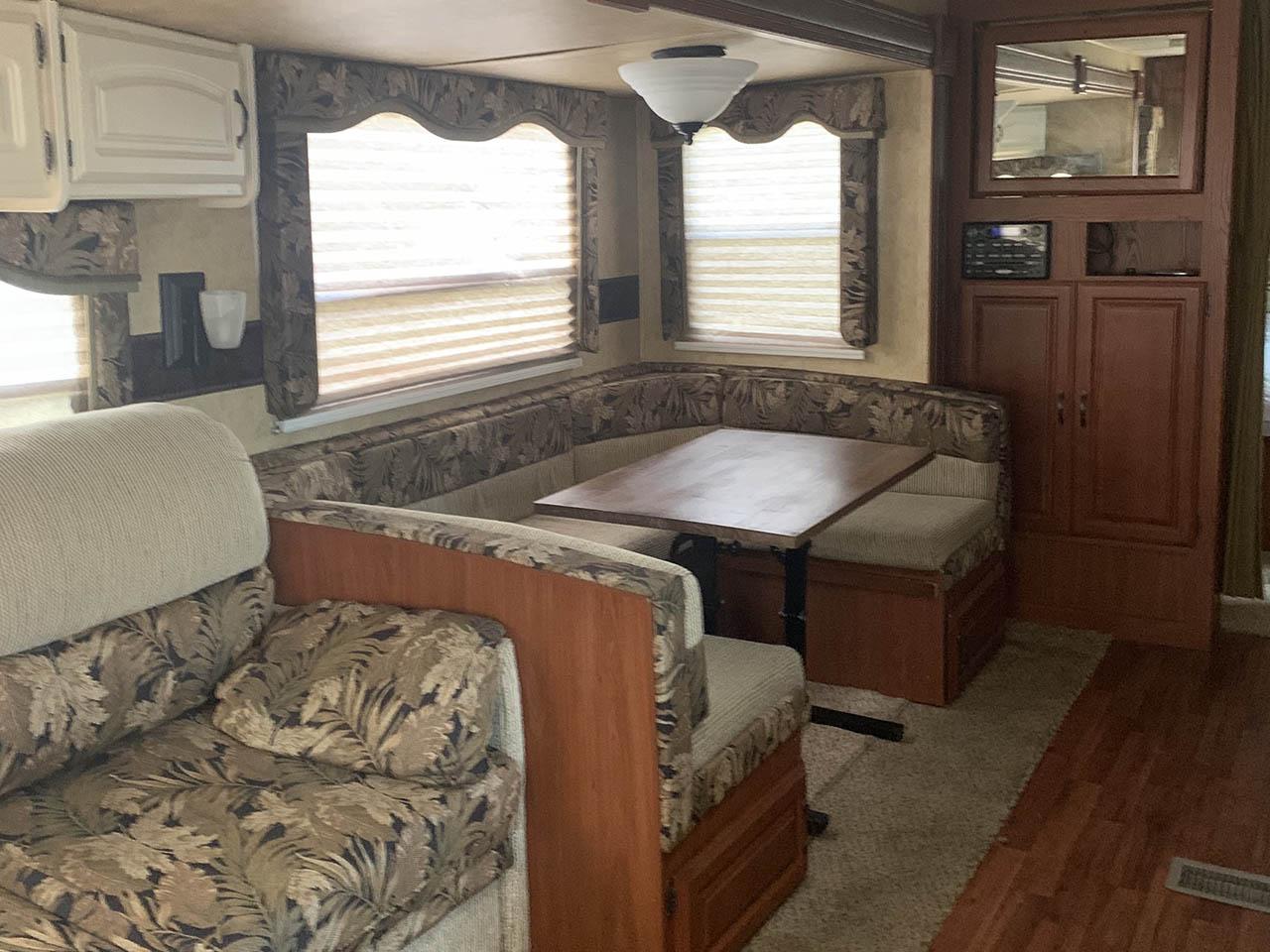 dining area rental camper